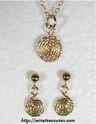 Curly 14K Gold Filled Wire Pendant & Earrings Set